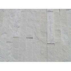 Płytka dekoracyjna, marmurowa, biała z połyskiem - efekt brokatu